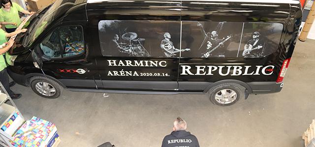 REPUBLIC turnébuszát dekoráltuk